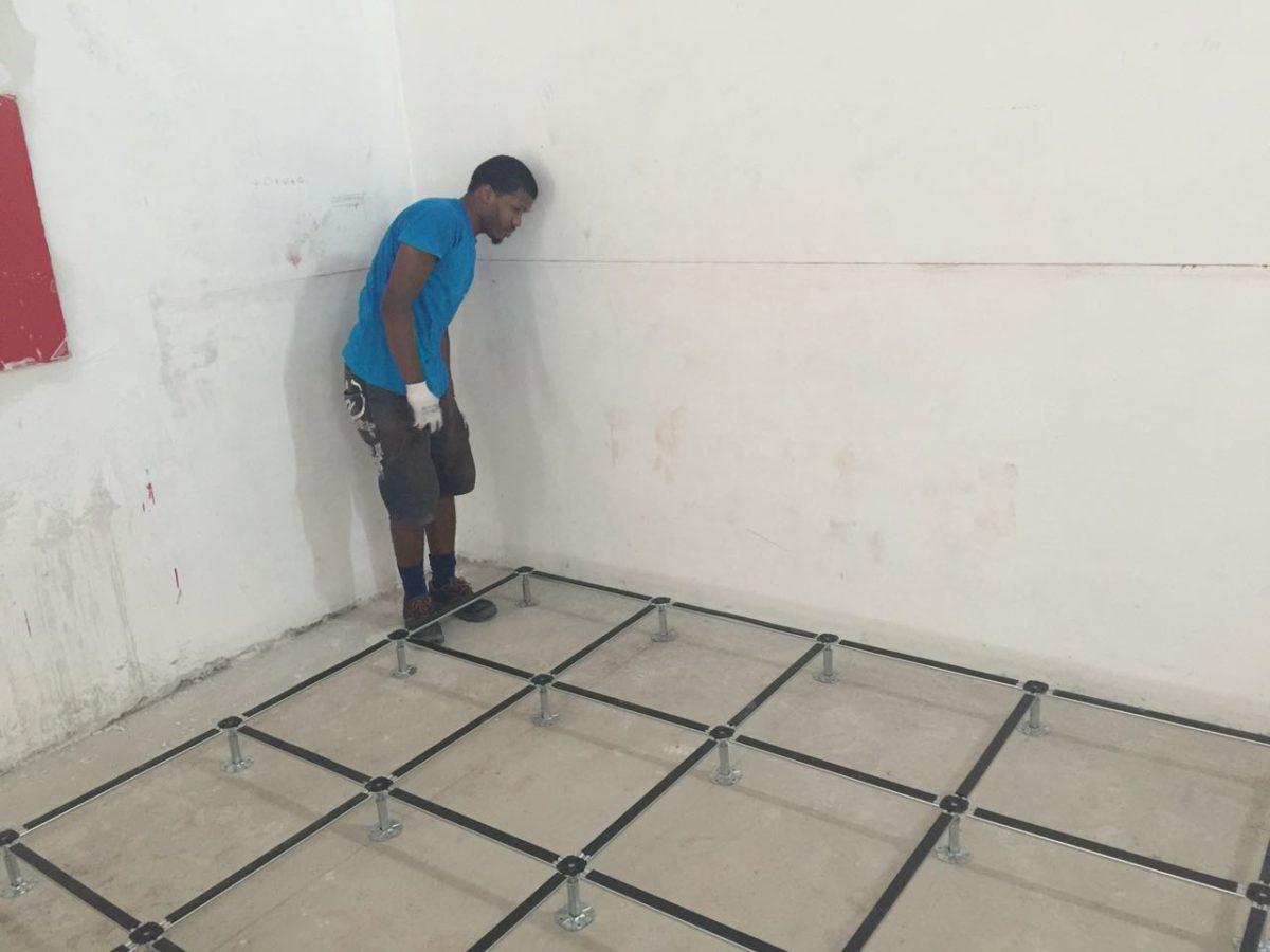 Posa del pavimento sopraelevato consigli per una installazione
